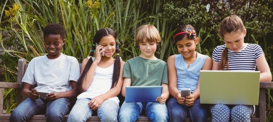 Datos sobre el uso de las redes sociales en los niños y adolescentes - díde